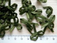 4 Schleifchen in dunkel-grün