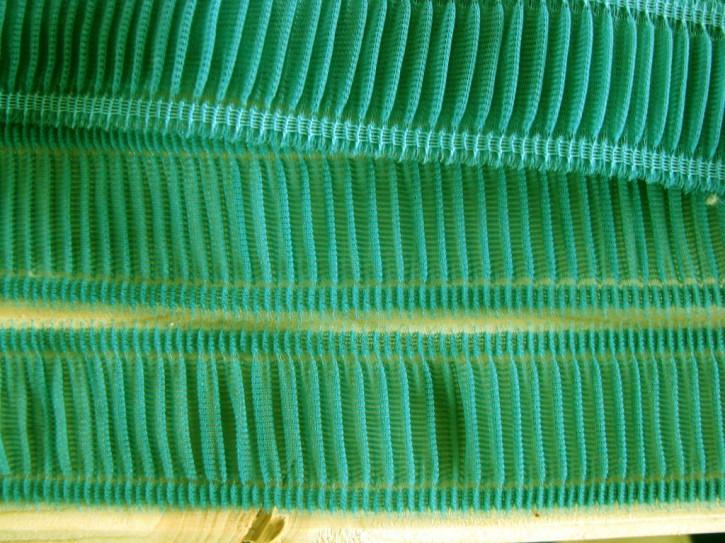 6m zarte Rüschenborte in smaragd-grün Fb0222