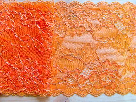 """1m elastische Spitze """"Goldflowers of orange"""""""