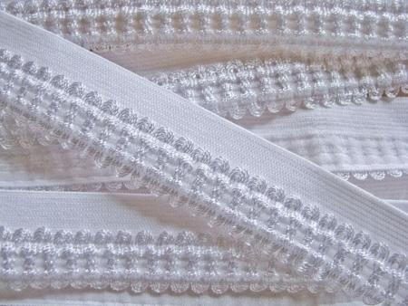 6m Schmuck-Falzgummi in rein-weiß Fb2000