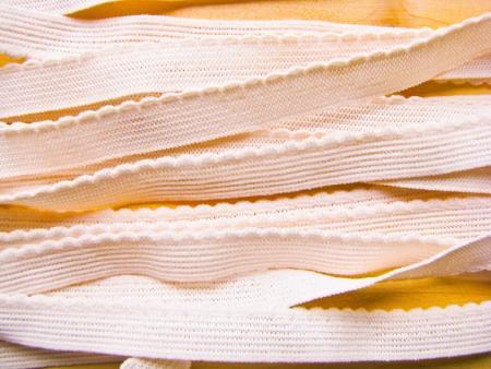 6m Wäschegummi in naturell/skin Fb0600