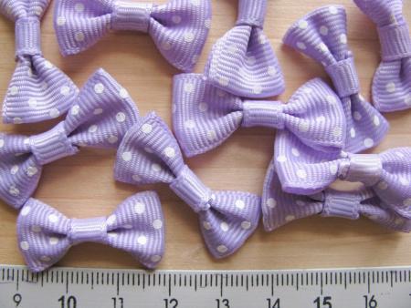 4 Stk. Poka-Dots-Schleifchen in flieder/helles violett - weiß