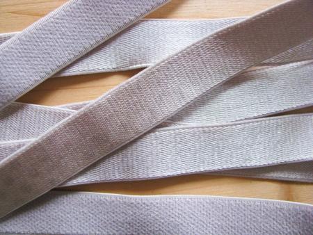 5m Satin-Träger-Gummi in platino-silber Fb3501