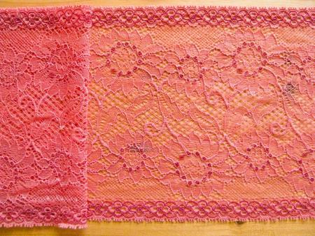 """1m elastische Spitze """"Velvets of Flamingo"""""""