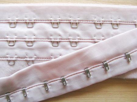 1m Korsagenverschuss in puder-rosa/Richtung porzellan Fb1063
