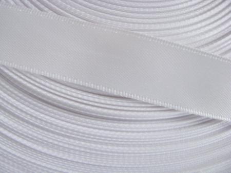91m/1 Rolle Satinband in rein-weiß Fb2000