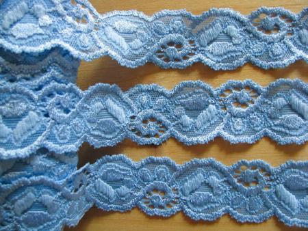 2m elastische Spitze in kräftigem hell-blau Fb1469