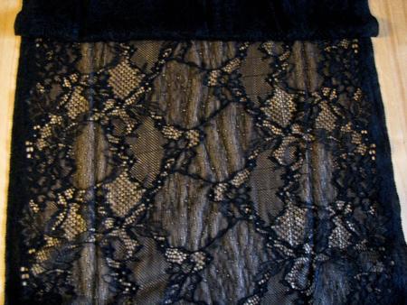 1m elastische All-Over-Spitze in schwarz Fb4000