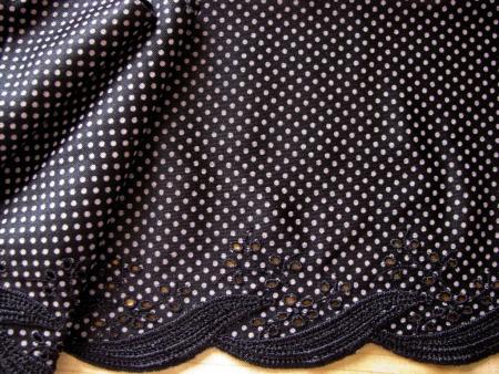 """1m Stickerei-Spitze """"Little Polka-Dots"""" in schwarz Fb4000..."""