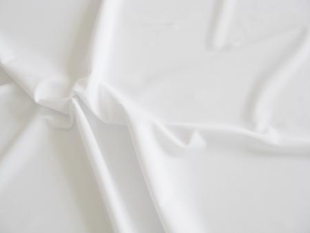 1m feste, bi-elastische Microfaser in rein-weiß Fb2000