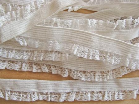 6m Schmuck-Wäschegummi in off-white Fb1000