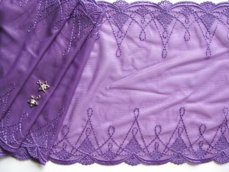 1m elastische, bestickte Spitze in veilchen-lila Fb0046