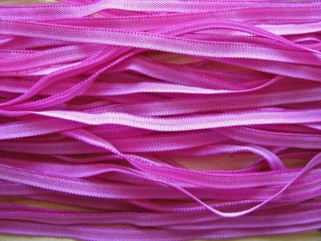 10m zartes Gummibändchen in magenta/purple Fb1059