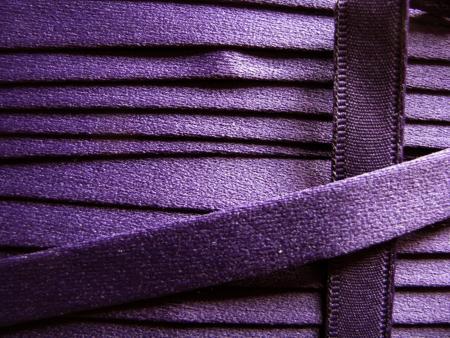 1m Bügelband in dunklem violett Fb0046