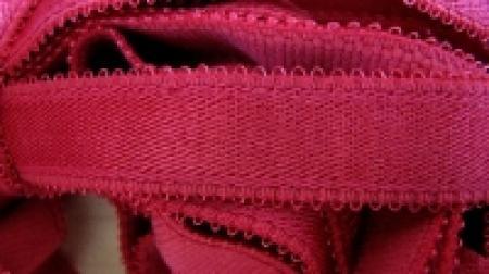 5m Träger-Gummi in himbeer-rot