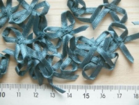 4 Schleifchen in hellem river-blau