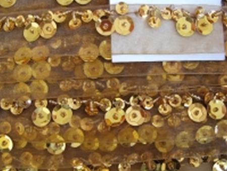 1m Oranzaband bestickt Pailletten und Perlen in gold