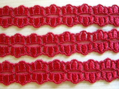5m bestickte Zierborte in dunklem kirsch-rot Fb0105