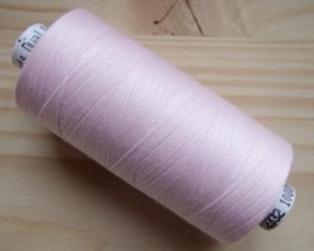 1 Spule Nähgarn in zartem rosa Fb0082