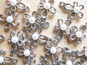 2 Stk. Blüten in silber/Metall mit kl. Perle