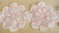 Spitzenapplikation in rein-weiß/rosa