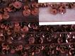 Oranzaband bestickt Pailletten und Perlen in braun